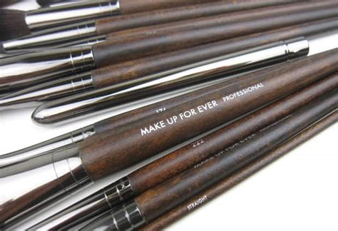 MAKE UP FOR EVER Artisan Brush Collection - a look at 15