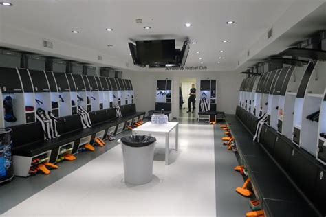 15 Of The Most Impressive Dressing Rooms In Football