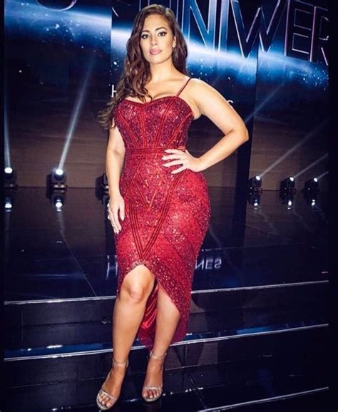 39 Hottest Ashley Graham Pictures   Sexy Near-Nude Photos