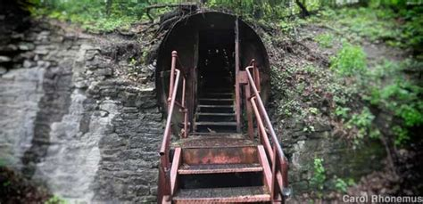 Lockport, NY - Cave Tour and Underground Boat Ride