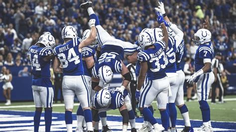 Indianapolis Colts guard Quenton Nelson and running back