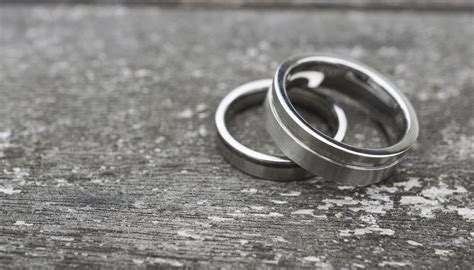 Can I Make Employees Remove Wedding Rings at Work for