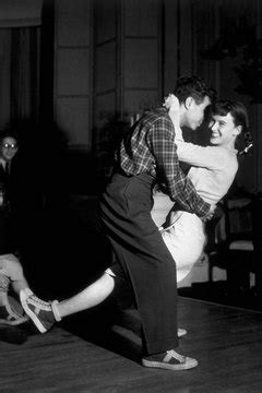 Top 10 Fads of the 1940s | Synonym