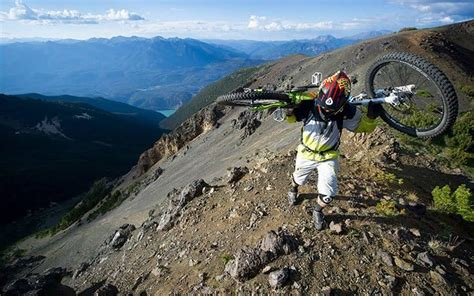 Which is the Better Bike? Hardtail vs Full Suspension