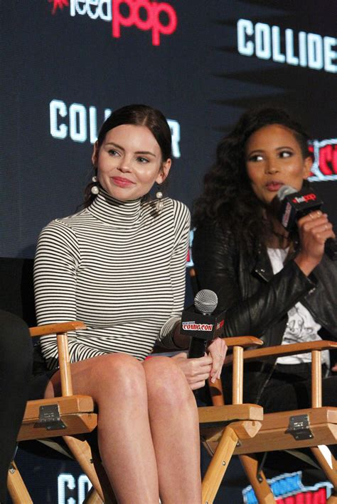 NYCC: The Ladies of Freeform's Siren - Young Entertainment