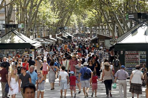 Barcelona accommodation law restricts tourism